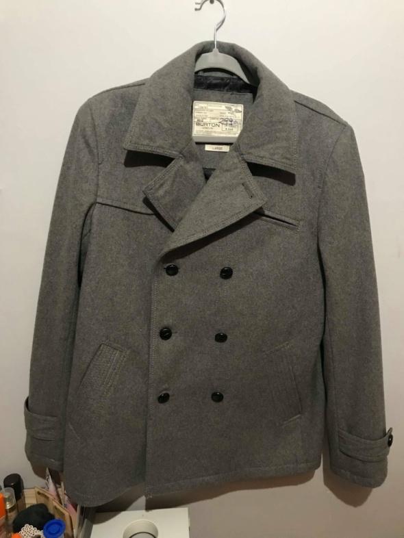 Szary męski płaszcz