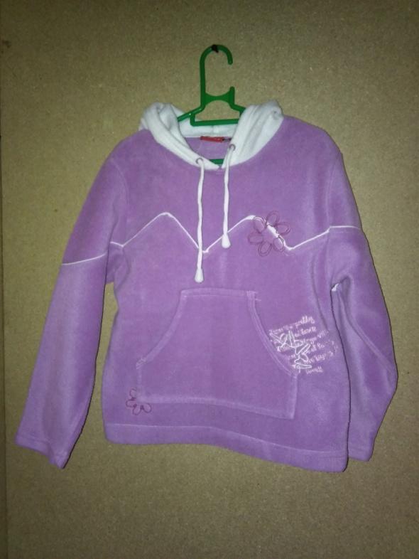 Fioletowa polarowa bluza z kapturem 116 cm