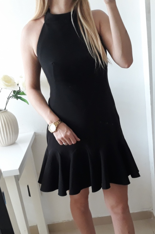 Sukienka czarna elegancka odkryte plecy M