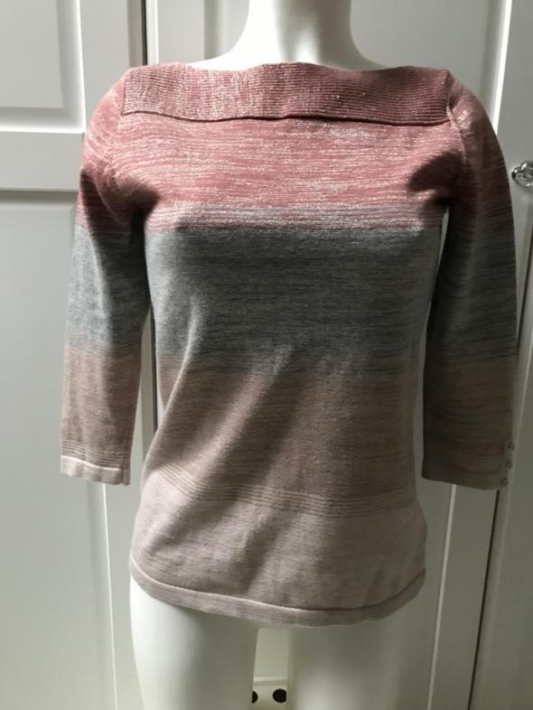 Sweter dzianinowy w paski delikatny ze złotą nitką