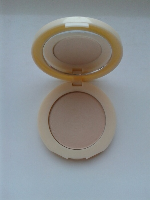 Puder Maybelline Affinitone 24 Golden Beige nowy