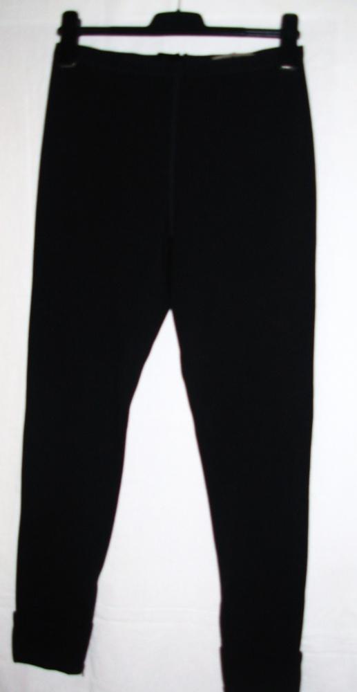 Czarne spodnie rurki z elastanem JIGSAW 38...