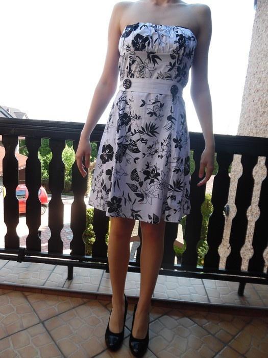sukienka czarno biała rozmiar M L kwiaty