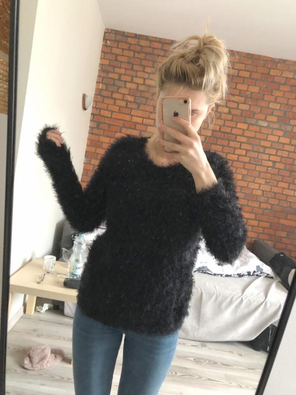 sweter struś czarny XS cubus