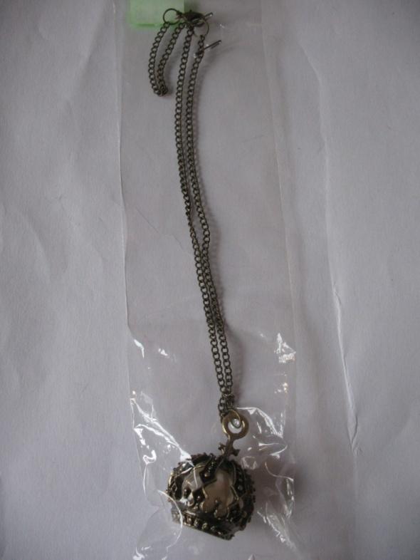 Naszyjnik nowy z perłą
