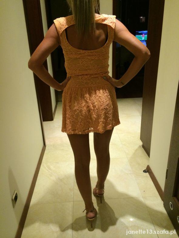 Pomarańczowa sukienka PULL & BEAR S