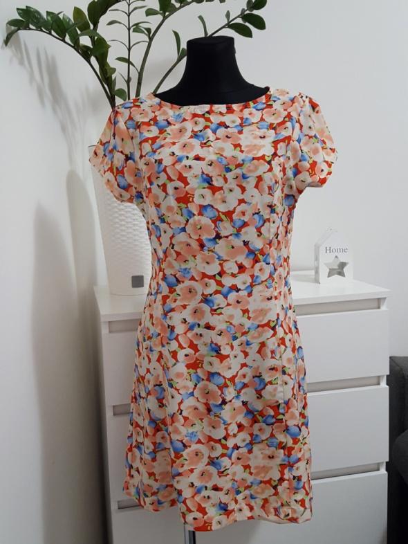 kolorowa sukienka z wyciętym tyłem BooHoo