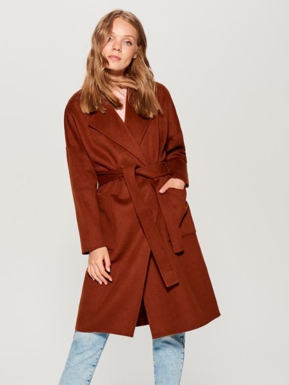 Wiązany płaszcz Mohito Premium wełniany HIT