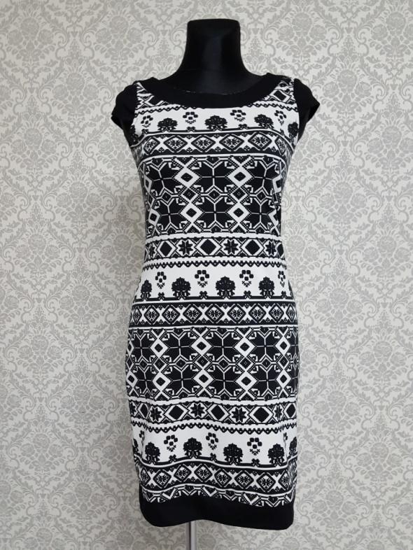 Suknie i sukienki biało czarna sukienka w wzory