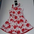 Śliczna dziewczęca sukienka w kwiaty
