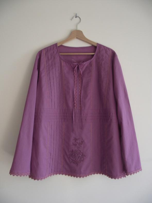 Bluzka damska z długim rękawem zdobiona haftem i koronką 44 46