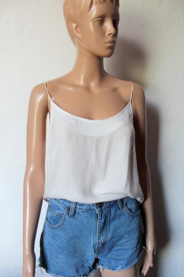 Zwiewna biała bluzeczka na ramiączkach r XS...