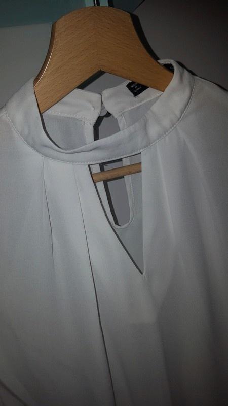 Biała bluzeczka z koronką SHEIN L