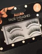 Allura eyeLashes...