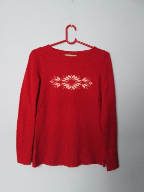 Czerwony świąteczny sweter