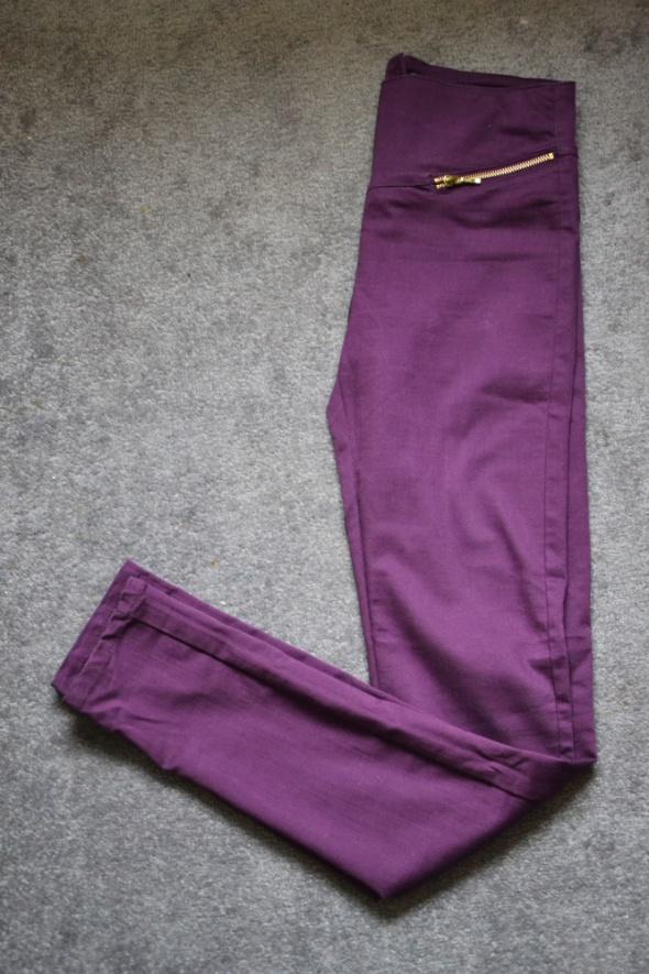Fioletowe rurki skinny z zipami złotymi S M Vero M