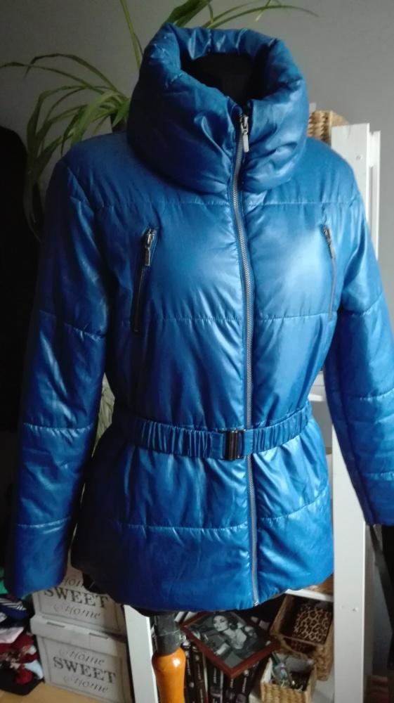 Niebieska kurtka zimowa