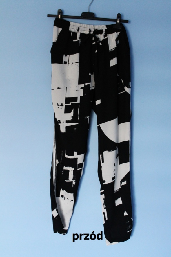 Spodnie ONLY luźne spodnie S M baggy sport loose z paskiem na boku nogawki