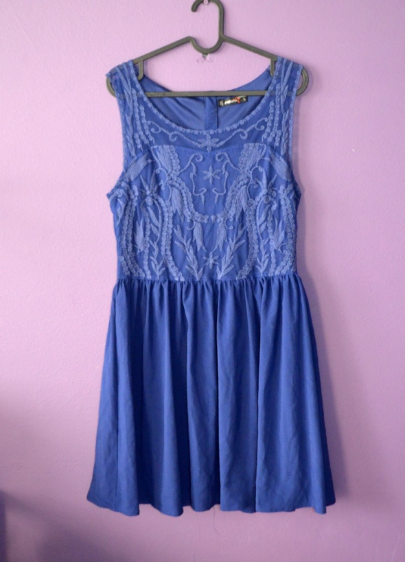 niebieska chabrowa koronkowa sukienka 40 42 L XL...