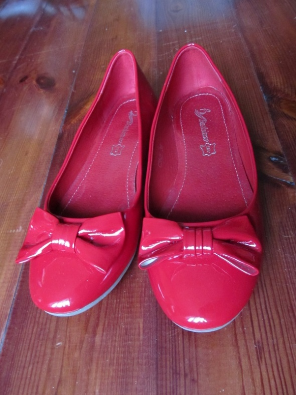 czerwone lakierowane balerinki 38 NOWE