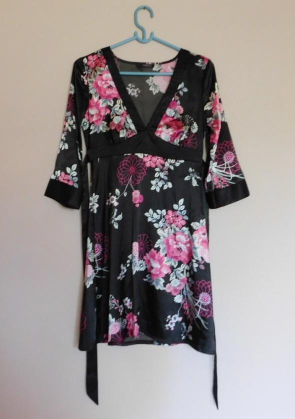 Jane Norman satynowa czarna sukienka w kwiaty 36...