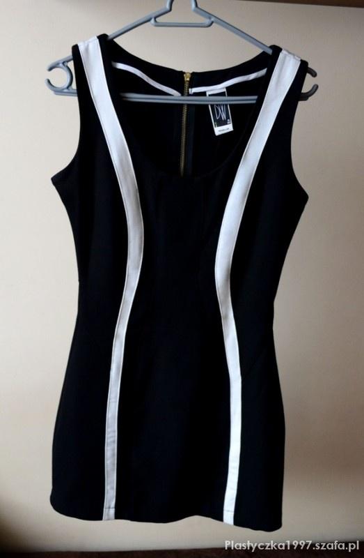 Wyszczuplająca sukienka Bershka S