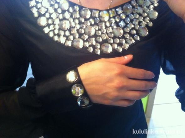 Mała czarna ASOS sukienka z kamieniami...