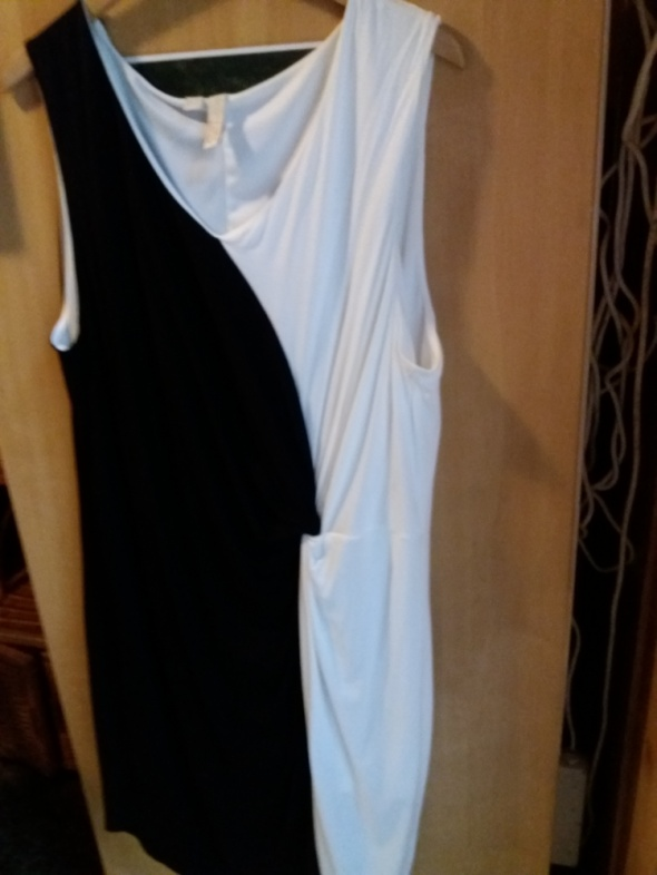sukienka biało czarna z kolekcji Bodyflirt r 48 50