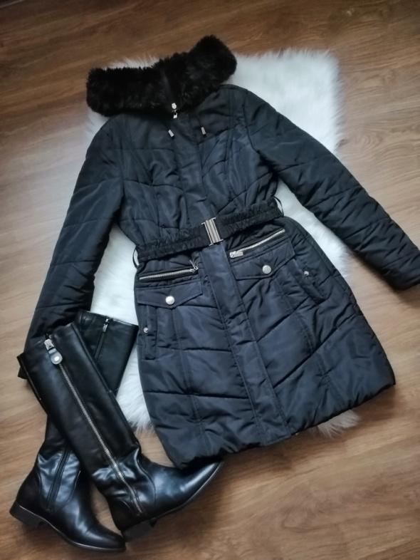 czarny płaszcz kurtka Mohito XS...