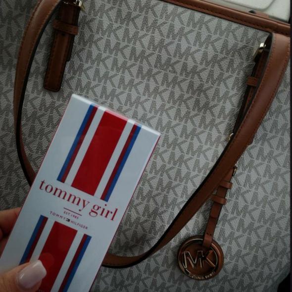MICHAEL KORS Jet Set Travel Vanilla monogram w Torebki na co