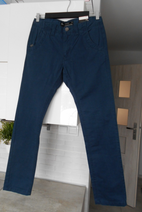 Diverse nowe męskie chinosy granatowe spodnie...