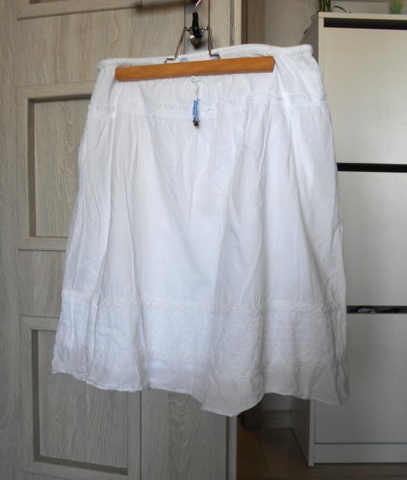 Cubus biała spódniczka midi koronkowe wstawki klasyka bawełnian...