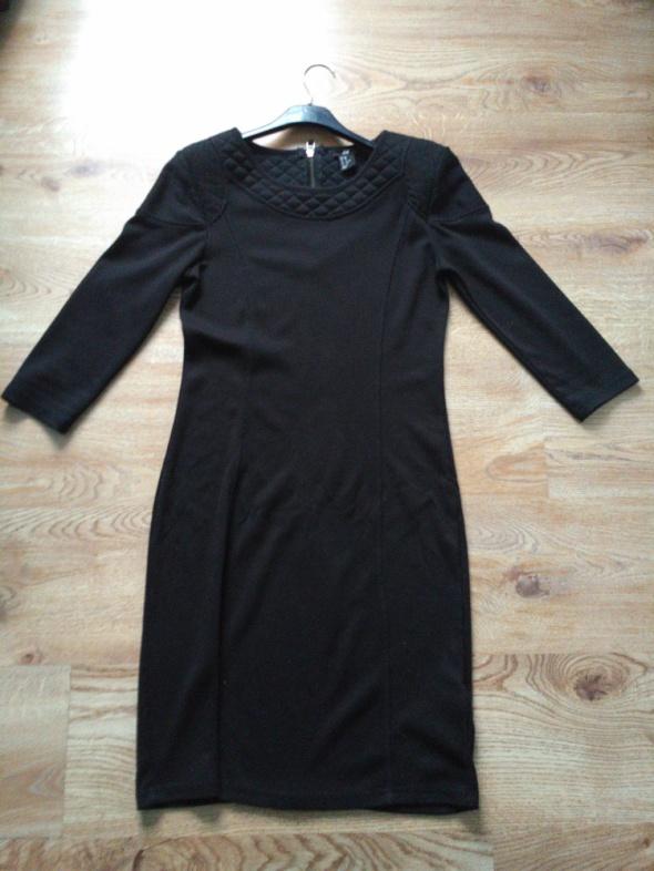 Czarna prosta sukienka H&M XS