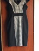 Śliczna elegancka sukienka...
