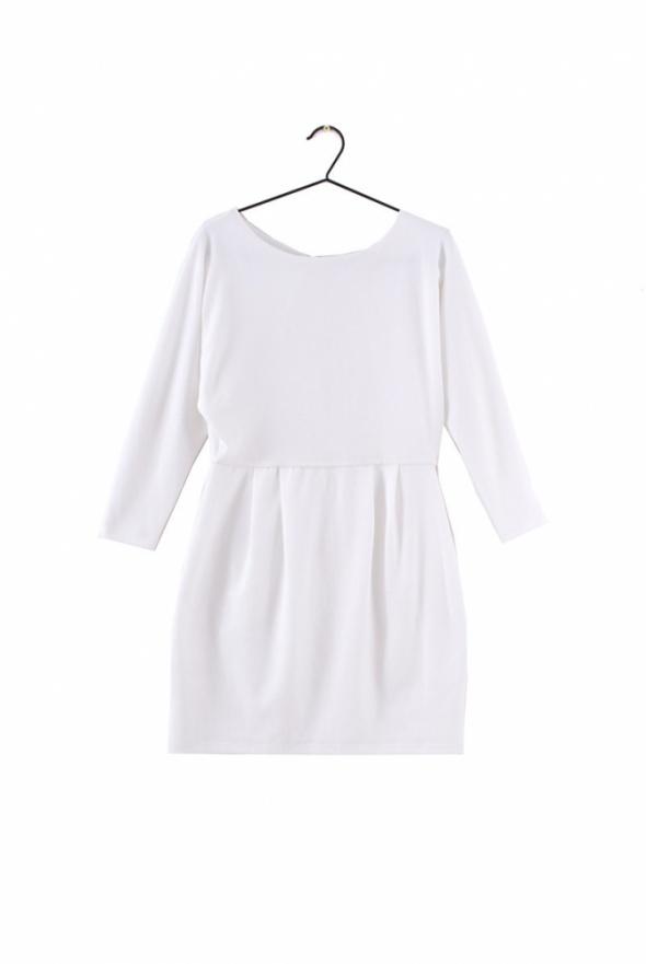 Sukienka śmietankowa Gina Tricot rozmiar M...