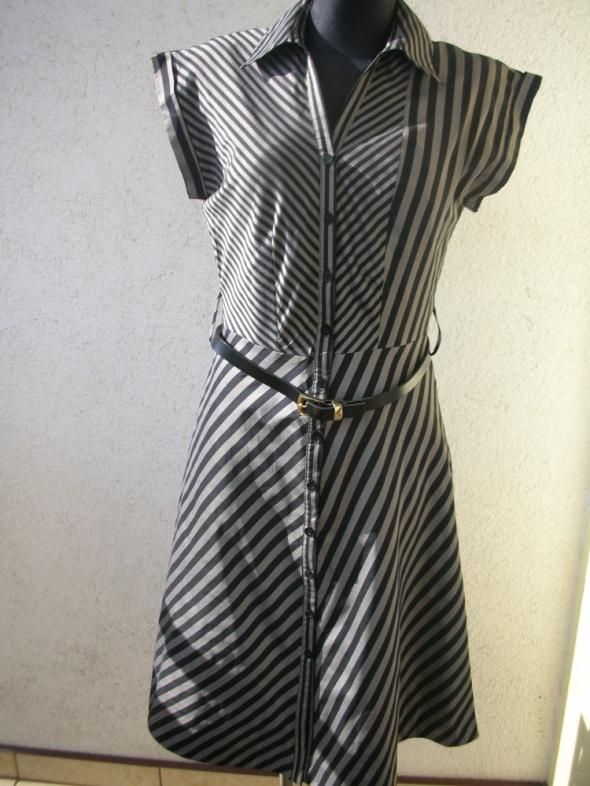 Sukienka w paseczki r S
