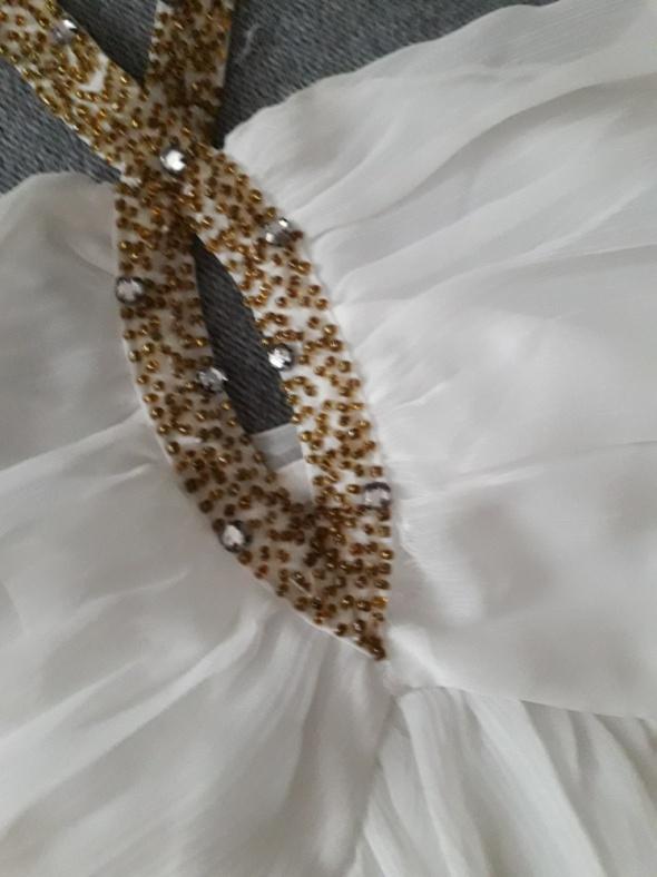 Nowa biała sukienka...