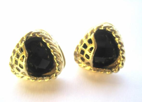 kolczyki wkrętki złote trójkąty brązowe kamienie