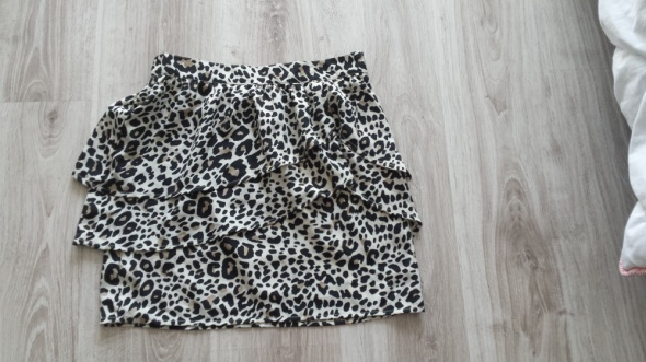 spódniczką H&M modne cętki...