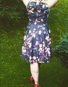 sukienka w malowane kwiaty...