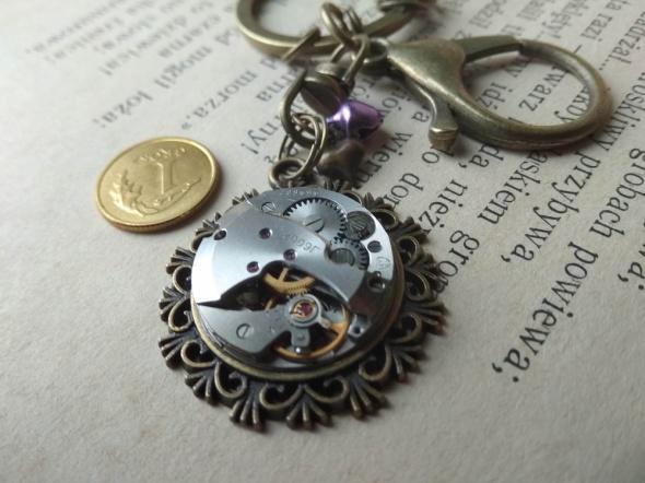 brelok na klucze zegar ZARIA mechanizm steampunk rubiny