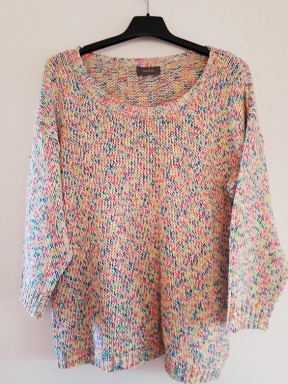 Melanżowy kolorowy sweter C&A...
