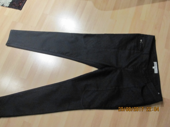 Czarne jeansy skinny 40...