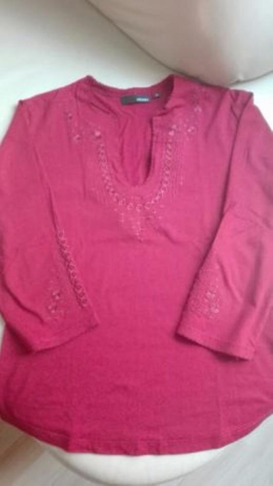 Bordowa haftowana bluzka...