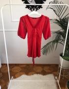 Czerwona bluzka z wiazaniem...