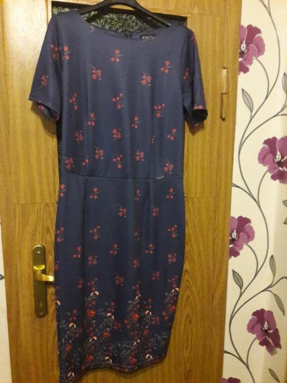 Piękna Granatowa Ołówkowa sukienka w kwiaty
