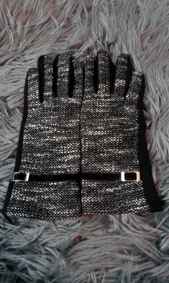 Czarno szaro białe rękawiczki ze złotą nitką M