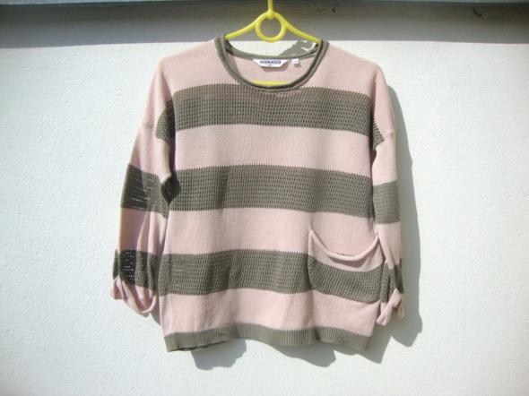 wiosenny sweterek