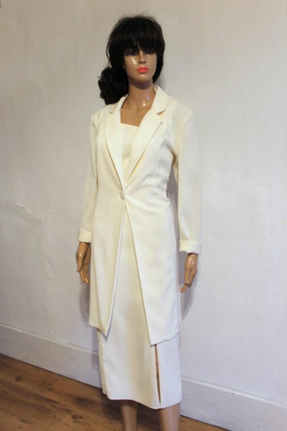 509a851a4456c1 Kremowy komplet sukienka i marynarka r M w Komplety - Szafa.pl