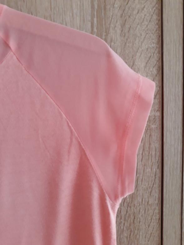 Różowa bluzeczka...